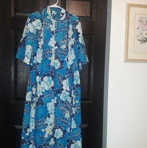 Vintage blue Hawaiian pake muu hostess muumuu